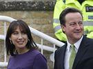 David Cameron volil s manželkou Samanthou ve Witney (6. května 2010)