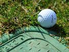 Seriál o golfových pravidlech - míč u nepohyblivé závady.