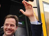 Poslední hodiny volební kampaně. Na snímku Nick Clegg (5. května 2010)