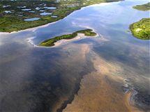 Ropná skvrna u pobřeží Louisiany (7. května 2010)