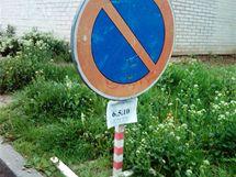 Blokové čištění na parkovišti ulice Černého v brněnské Bystrci