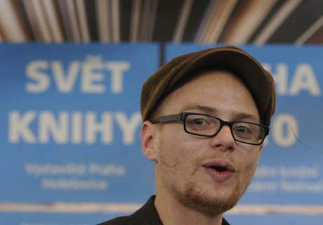 Cenu Jiřího Ortena za rok 2010: získal ji Jan Těsnohlídek za sbírku básní Násilí bez předsudků