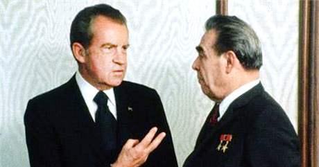 Americký prezident Richard Nixon a sovětský vůdce Leonid Brežněv v Moskvě v roce 1974.