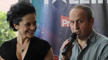 Členové poroty talentové show Česko Slovensko má talent - zpěvačka Lucie Bílá, moderátor Jan Kraus a producent Jaro Slávik