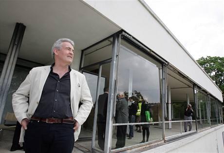 Britský spisovatel Simon Mawer navštívil vilu Tugendhat v Brně.