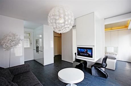 Celý byt má - včetně koupelny a předsíňky - 36 metrů čtverečních