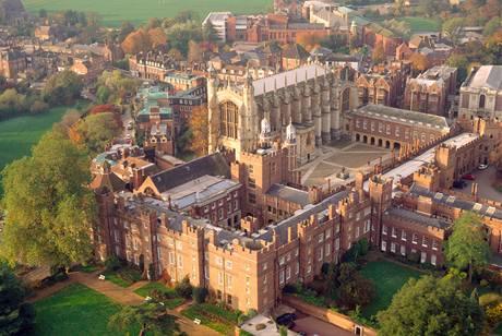 Budova britské střední školy Eton.