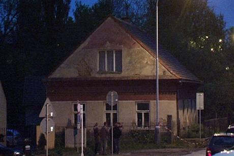 Dům v Úvalech, kde se tragedie odehrála