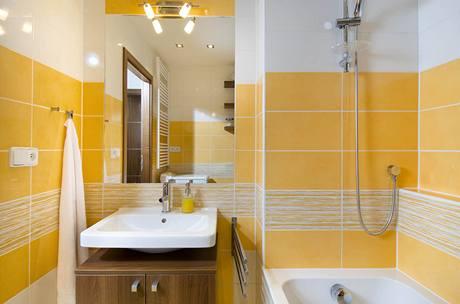 Zrcadlo napomáhá optickému zvětšení koupelny