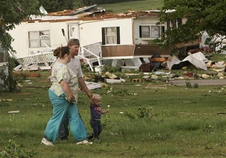 V americké Oklahomě řádila ničivá tornáda