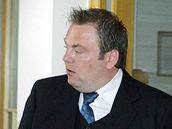 Roman Majerník se svou obhájkyní u soudu v Teplicích. 10. května 2010