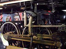 Stará poctivá práce budí u milovníků lokomotiv nadšení