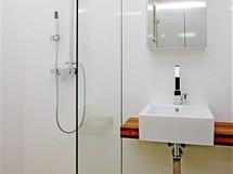 Sprchový kout je pouze vyspádovaný