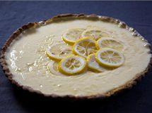 Likérovo-citronový dort s krémem obsahuje likér limoncello ze Sorenta.