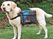 Batůžek pro psy s postranními kapsami