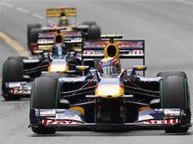 RED BULL. Na prvním místě Velké ceny Monaka krouží Mark Webber z Red Bullu.
