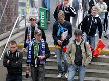 Odjez fanoušků ostravského baníku z vlakového nádraží v Ostravě Svinově