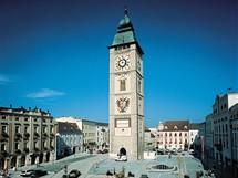 Rakousko, náměstí s hodinovou věží ve městě Enns