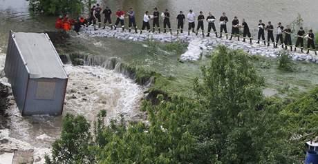 Při povodních v Polsku zemřelo už 15 lidí (23. května 2010)