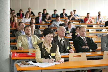 Diskuse - pohled do auditoria