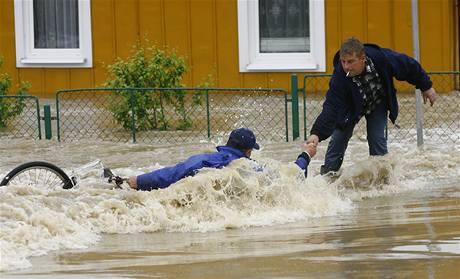 Záplavy ve městě Tarnobrzeg na jihu Polska (20. května 2010)