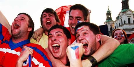 Fanoušci napjatě sledovali hokejové finále, prožívali každý gól.