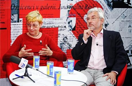 Porodní asistentka Ivana Königsmarková a porodník MUDr. Alexandr Barták