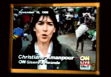 Slova ,Christianne Amanpour, CNN' jsme slýchali 27 let. Poslední dubnový pátek to ale bylo naposledy. Amanpour, synonymum válečné reportérky ve světě, odešla pracovat do konkurenční stanice ABC.