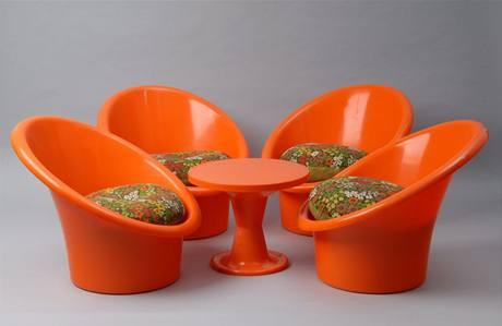 Výjimečně nedemontovatelný plastový zahradní nábytek Skopa (1974), design Olle Gjerlöv-Knudsen/Torben Lind, výroba IKEA