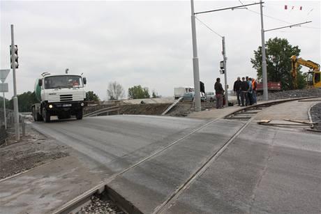 Zjednokolejnění tramvajového mostu