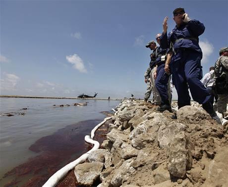 Ropná skvrna dorazila k pobřeží americké Louisiany