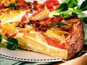 Bramborový koláč s mrkví.