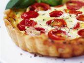 Rajčatovo-sýrový quiche.