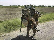 Příslušník americké námořní pěchoty v Afghánistánu (4. června 2009)