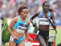 Zlatá tretra. Běh na 10 000 metru vlevo Melkamuová (vítězka) a Korikwiangová.