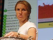 Obhájkyně titulu Světlana Kuzněcovová při losu letošního Roland Garros v Paříži