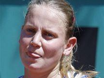 Zklamaná Jelena Dokičová v souboji se Šafářovou v 1. kole Roland Garros