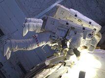 Výstup do volného prostoru (STS-132)