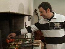 Přímo na gril můžete ke kuřeti přidat i zeleninu, stačí ji lehce pokapat olejem.