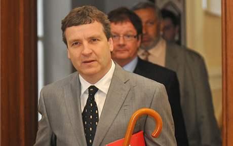 Radovan Novotný a Aleš Kvapil u Krajského soudu v Brně (2. června 2010).