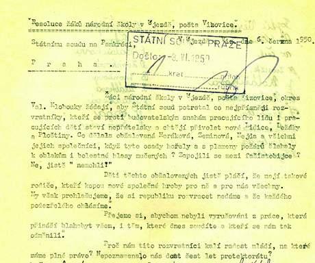 Rezoluce sepisovaly školní i pionýrské kolektivy po celém Československu.