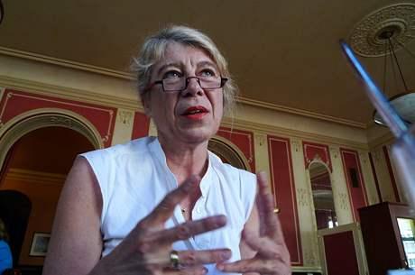 Noemi Smolíková, výtvarná teoretička, kritička a kurátorka