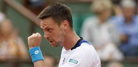 Robin Söderling se raduje z vydařeného úderu v zápase s Nadalem.