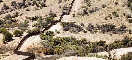 Hraniční plot mezi USA a Mexikem.