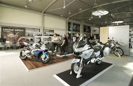 Renocar Showroom Moto