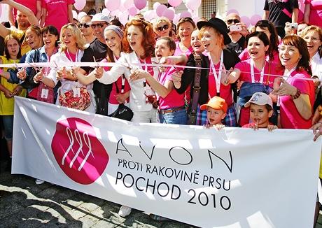 Pochod proti rakovině prsu 2010 (5.června 2010) - Brodská, Borhyová, Stašová, Termerová, Geislerová, Issová, Vilhelmová