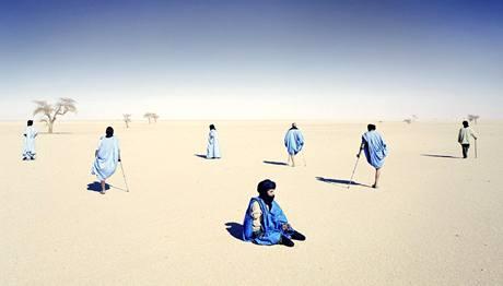 Hranice mezi Západní Saharou a Marokem je plná nevybuchlých nášlapných min. Nejčasteji jsou obětmi lidé z kmene Saharawi.