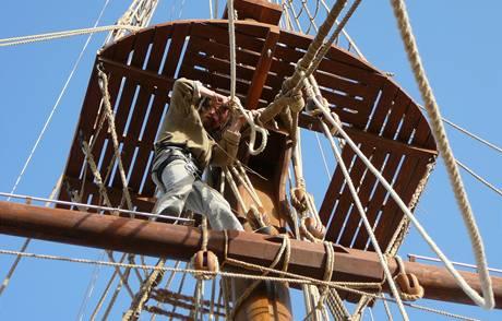 V egyptském doku Češi staví repliku historické plachetnice z druhé poloviny 18. století.