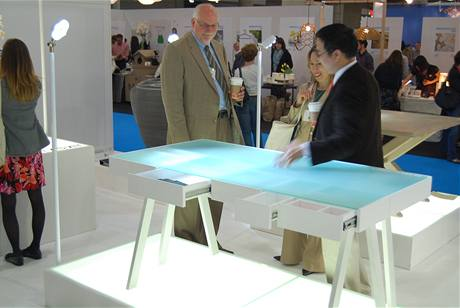 """Stůl """"Treasury Table"""" od designérky Lucie Koldové pro PROCESS CZ"""