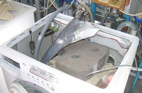 Roztržený buben pračky Candy